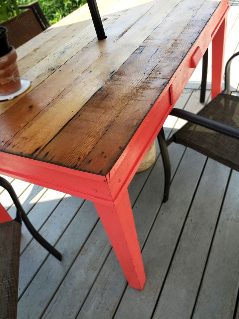 Upcycled Patio Table 1d